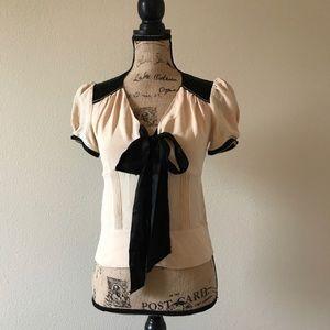 DVF Black and Cream Beautiful Silk Blouse 💕